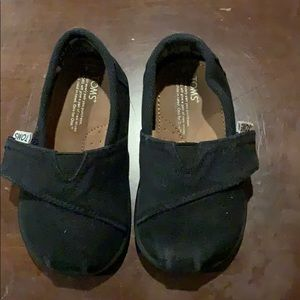Toddler size 4 Toms